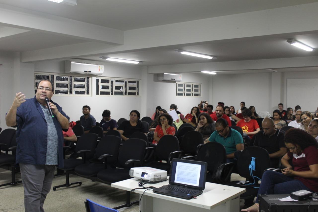 A saída é pela luta e unidade nas ruas! Palestra com Marcelo Badaró reforça a importância da mobilização da classe trabalhadora